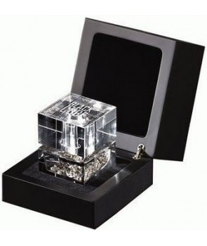 Black Cube Ramon Molvizar for women and men